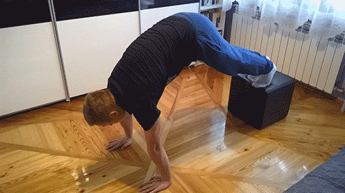 pike push ups technika